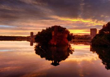 Coucher de soleil sur décor naturel en Australie